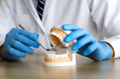 Розцінки на протезування зубів Київ