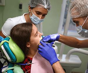 Видалення зубів. Ретінірований або дістопірований зуб